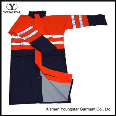 High Visibility Reflective PVC Safety Raincoat for Roadway