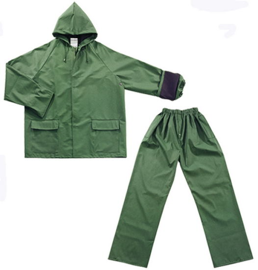 Functional Outdoor Rainsuit with PVC/Polyester Coating