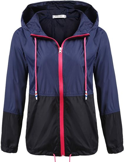 Women′s Lightweight Waterproof Raincoat Hooded Outdoor Activewear Rain Jacket (13 Colors Available)